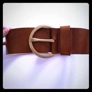 Gorgeous wide real leather belt.
